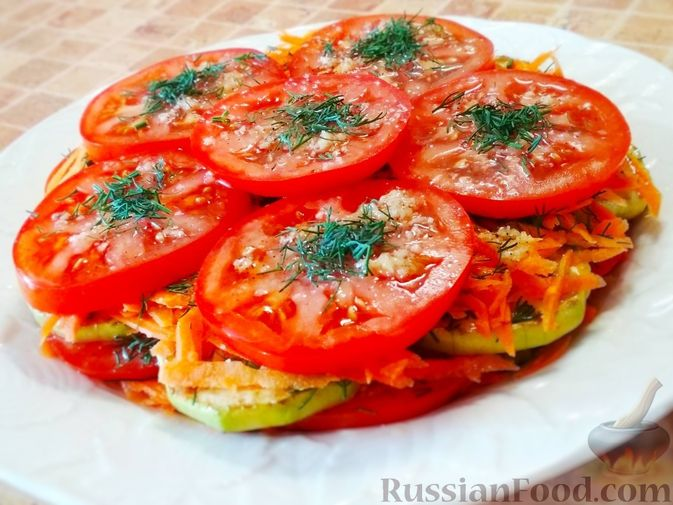 Фото приготовления рецепта: Салат из кабачков, моркови и помидоров - шаг №8