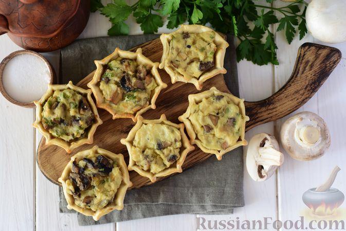 Фото к рецепту: Шанежки с картофелем и грибами