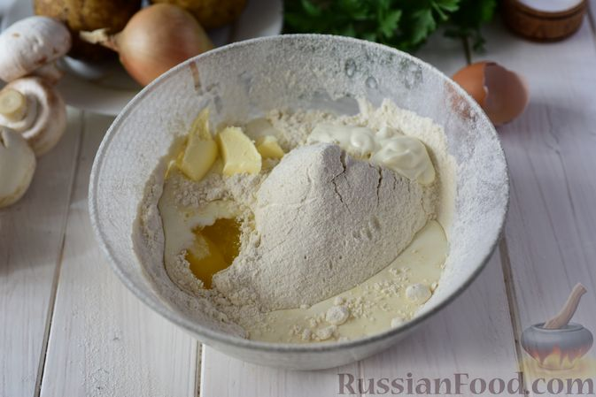 Фото приготовления рецепта: Шанежки с картофелем и грибами - шаг №3