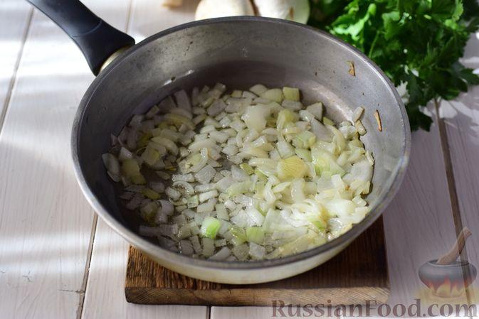 Фото приготовления рецепта: Шанежки с картофелем и грибами - шаг №7