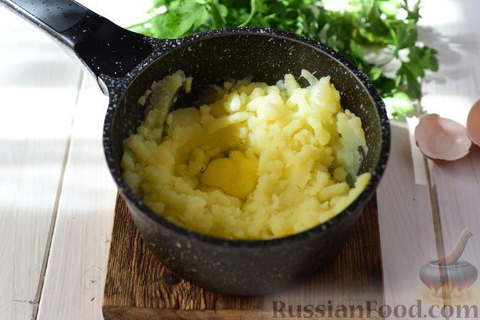 Фото приготовления рецепта: Шанежки с картофелем и грибами - шаг №12