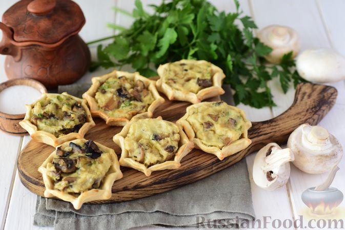 Фото приготовления рецепта: Шанежки с картофелем и грибами - шаг №18