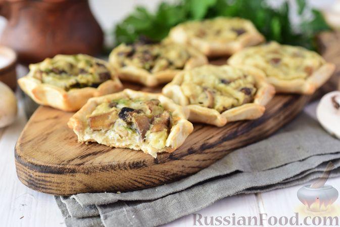 Фото приготовления рецепта: Шанежки с картофелем и грибами - шаг №19