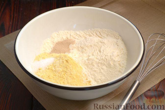 Фото приготовления рецепта: Кукурузный хлеб на кефире - шаг №3