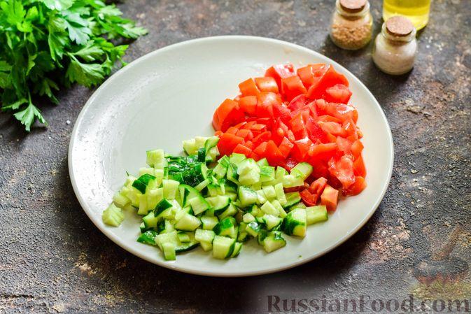 Фото приготовления рецепта: Холодный суп-пюре из нута с овощами, оливками, кунжутной пастой и фетой - шаг №8