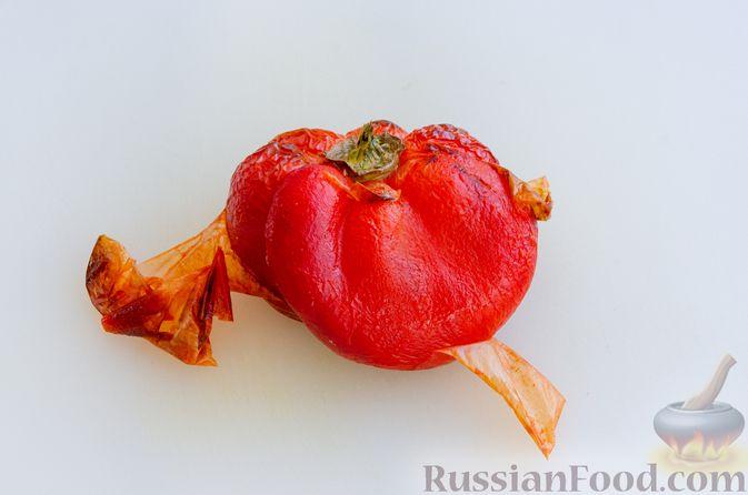 Фото приготовления рецепта: Запечённый болгарский перец, маринованный с чесноком и оливковым маслом - шаг №7