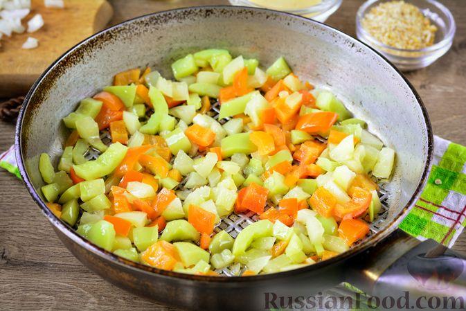 Фото приготовления рецепта: Котлеты из болгарского перца с сыром (в духовке) - шаг №4