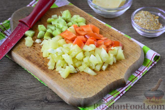 Фото приготовления рецепта: Котлеты из болгарского перца с сыром (в духовке) - шаг №3