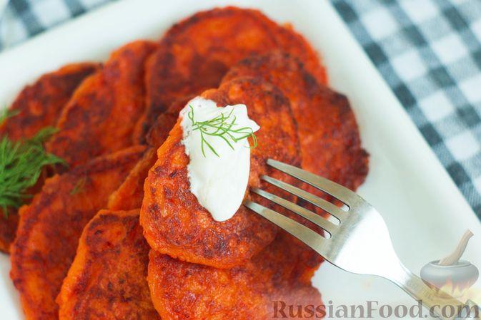 Фото приготовления рецепта: Оладьи из болгарского перца - шаг №10