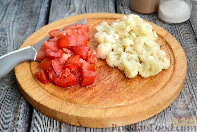 Фото приготовления рецепта: Суп с куриными желудками, цветной капустой и кускусом - шаг №7