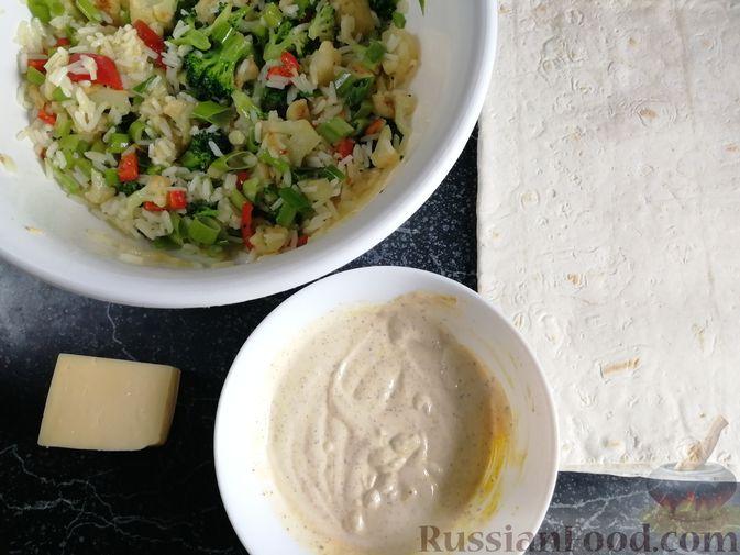 Фото приготовления рецепта: Запеканка из лаваша с рисом, цветной капустой, брокколи и сладким перцем - шаг №13