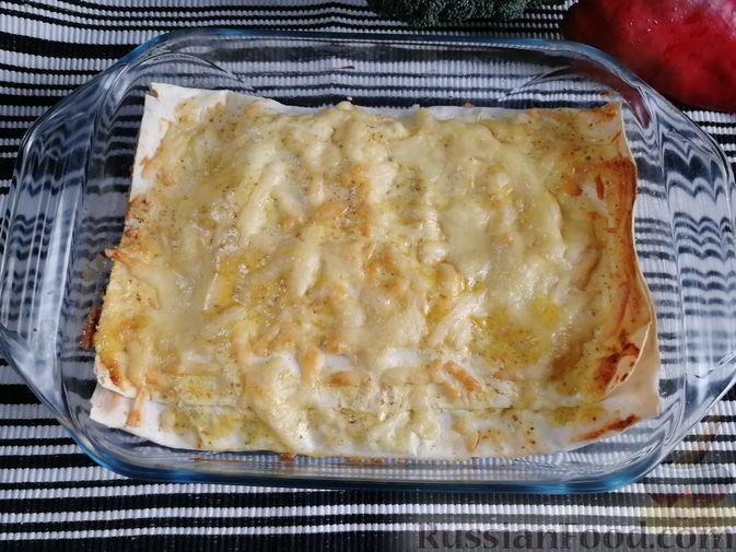 Фото приготовления рецепта: Запеканка из лаваша с рисом, цветной капустой, брокколи и сладким перцем - шаг №20