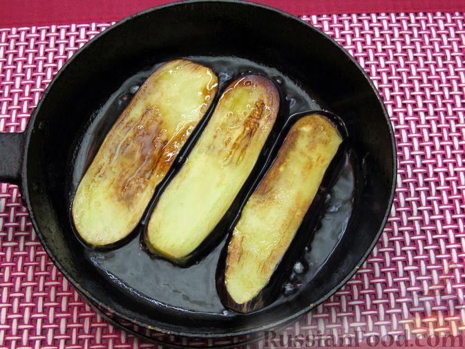 Фото приготовления рецепта: Яичные гренки с баклажанами и сыром - шаг №12