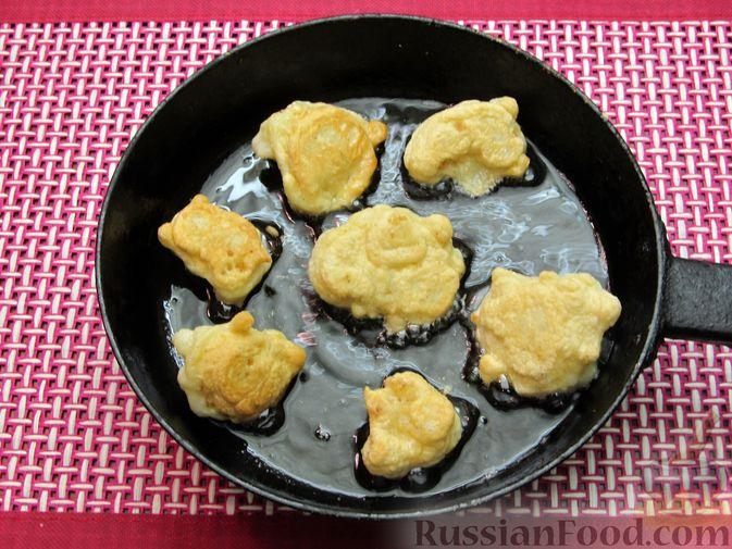 Фото приготовления рецепта: Жареная цветная капуста в кляре на минеральной воде - шаг №14