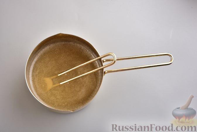 Фото приготовления рецепта: Десерт из творога с облепихой - шаг №7