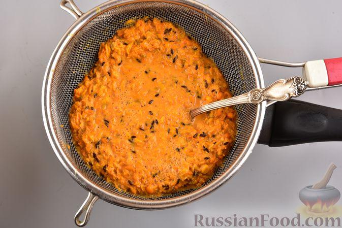Фото приготовления рецепта: Мусс из облепихи с манной крупой - шаг №3