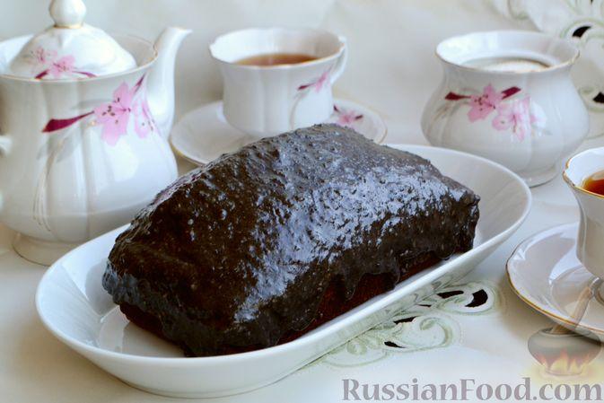 Фото к рецепту: Шоколадно-кофейный кекс на молоке, с тахинной глазурью