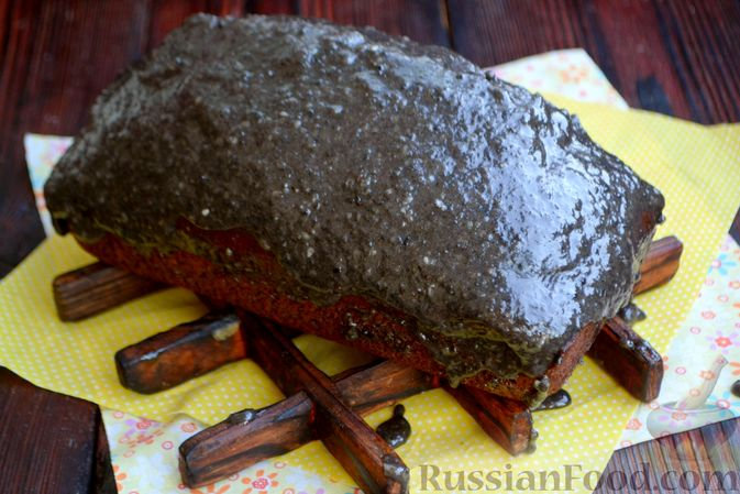 Фото приготовления рецепта: Шоколадно-кофейный кекс на молоке, с тахинной глазурью - шаг №16