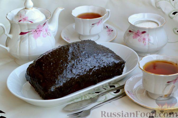 Фото приготовления рецепта: Шоколадно-кофейный кекс на молоке, с тахинной глазурью - шаг №17