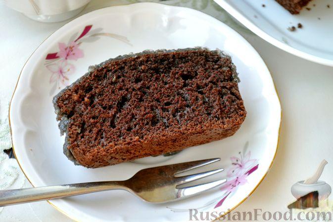 Фото приготовления рецепта: Шоколадно-кофейный кекс на молоке, с тахинной глазурью - шаг №18