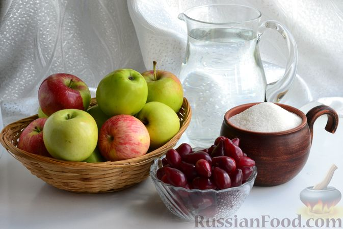Фото приготовления рецепта: Компот из яблок и кизила (на зиму) - шаг №1