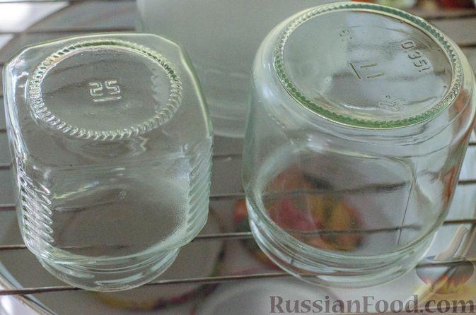 Фото приготовления рецепта: Брусничный джем с яблоками и грушами - шаг №5
