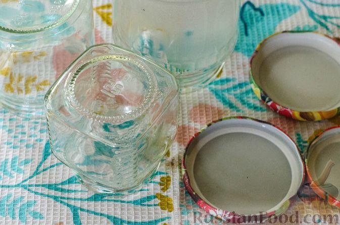 Фото приготовления рецепта: Брусничный джем с яблоками и грушами - шаг №6