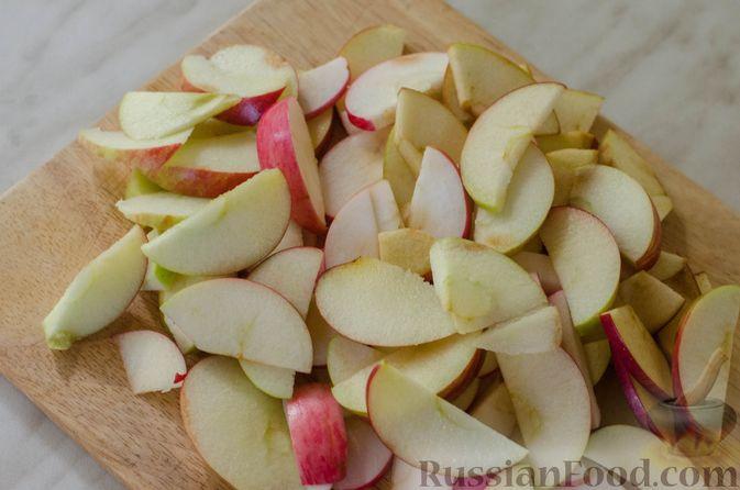 Фото приготовления рецепта: Брусничный джем с яблоками и грушами - шаг №8