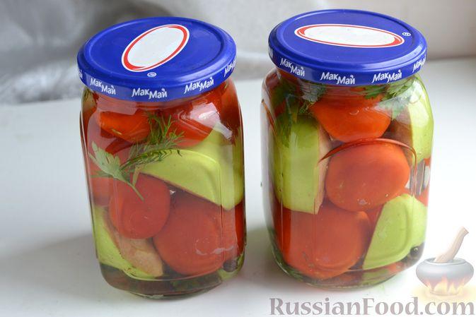 Фото приготовления рецепта: Маринованные помидоры с яблоками и корицей (на зиму) - шаг №10