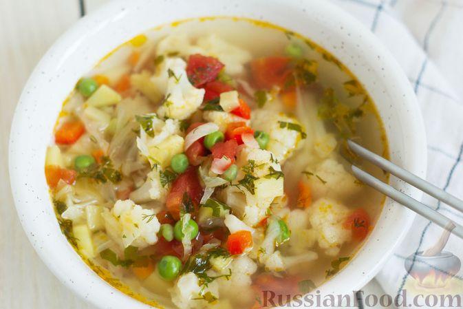 Фото приготовления рецепта: Овощной суп с зелёным горошком - шаг №10