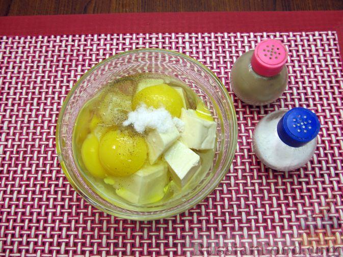 Фото приготовления рецепта: Запеканка из цветной капусты и бекона, в сливочно-сырной заливке - шаг №6