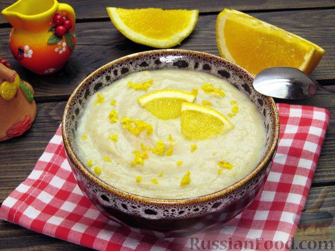 """Фото к рецепту: Молочный """"суп"""" с бананами и апельсиновой цедрой"""