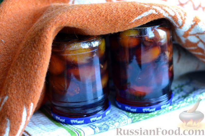 Фото приготовления рецепта: Варенье из слив, фаршированных грецким орехом - шаг №18