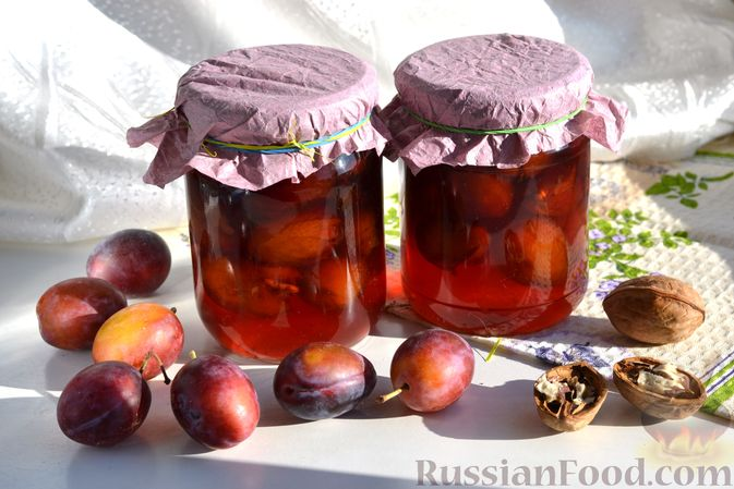 Фото приготовления рецепта: Варенье из слив, фаршированных грецким орехом - шаг №19