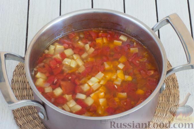 Фото приготовления рецепта: Овощной суп с чечевицей - шаг №8