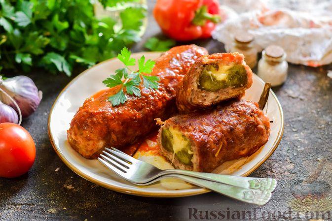 """Фото к рецепту: Баклажаны с сырной начинкой, в """"шубке"""" из мясного фарша (в духовке)"""