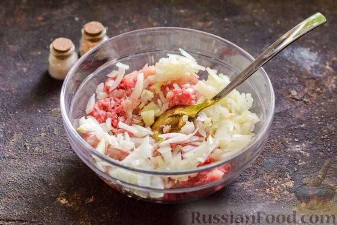 """Фото приготовления рецепта: Баклажаны с сырной начинкой, в """"шубке"""" из мясного фарша (в духовке) - шаг №4"""