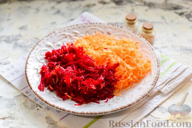 Фото приготовления рецепта: Борщ с цветной капустой и тушенкой - шаг №5
