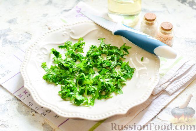 Фото приготовления рецепта: Баклажаны с тушёнкой и помидорами - шаг №7