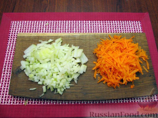 Фото приготовления рецепта: Суп из свинины с пшеном и помидорами - шаг №5