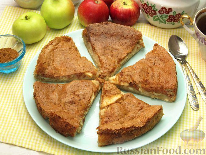 Фото приготовления рецепта: Творожный пирог с яблоками и корицей - шаг №12