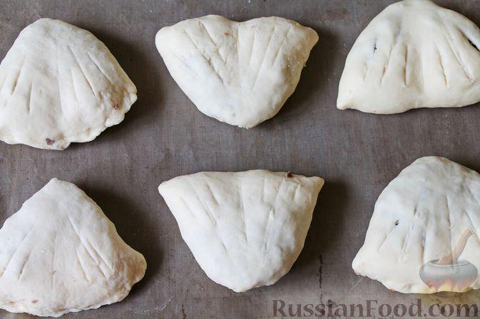 Фото приготовления рецепта: Дрожжевые пирожки с куриными желудочками и кабачками - шаг №25