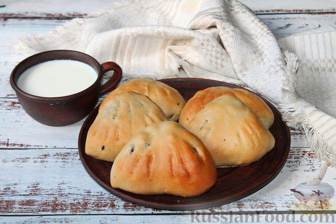 Фото приготовления рецепта: Дрожжевые пирожки с куриными желудочками и кабачками - шаг №28