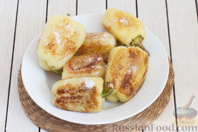 Фото приготовления рецепта: Баклажаны с помидорами, перцем и луком - шаг №6