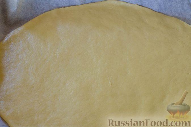 Фото приготовления рецепта: Песочный тарт с яблоками и орехами - шаг №13