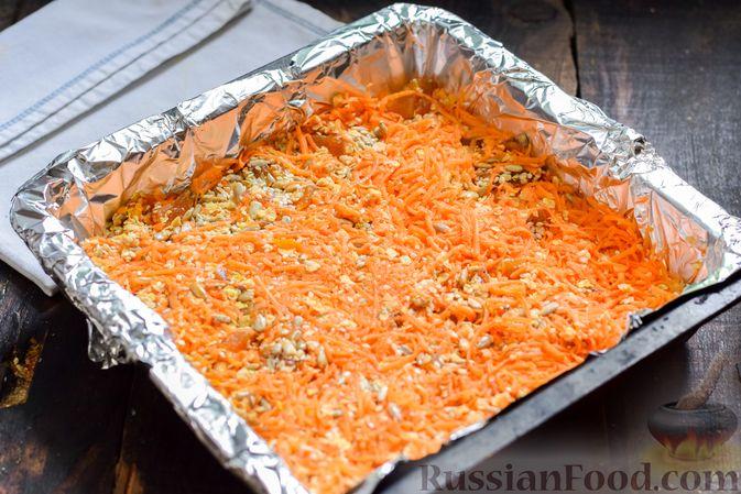 Фото приготовления рецепта: Десерт из моркови с курагой, овсяными хлопьями и семечками - шаг №7