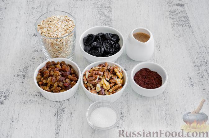 Фото приготовления рецепта: Конфеты из овсяных хлопьев с изюмом, черносливом и орехами - шаг №1
