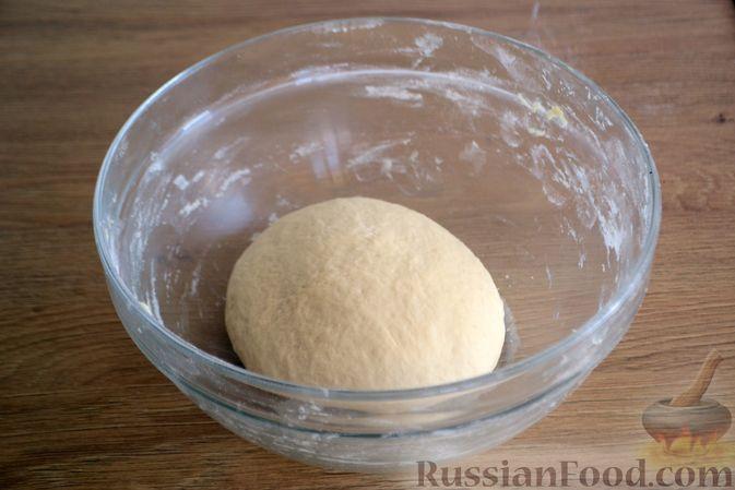 Фото приготовления рецепта: Пшеничный хлеб на кефире - шаг №6