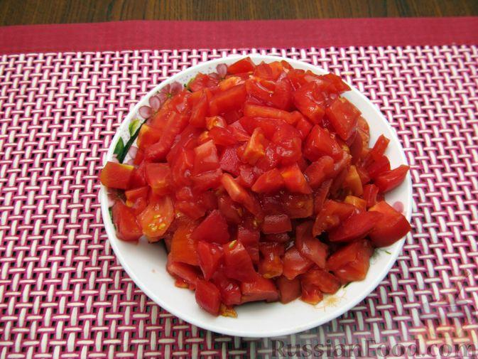 Фото приготовления рецепта: Томатный релиш с маринованными огурцами - шаг №3
