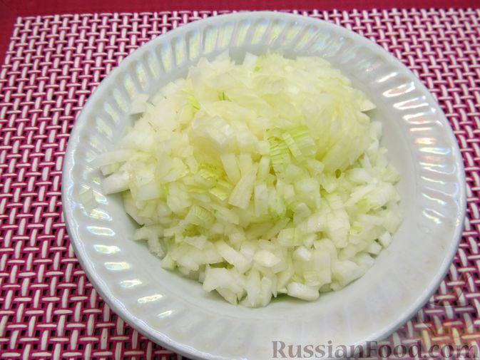 Фото приготовления рецепта: Томатный релиш с маринованными огурцами - шаг №4